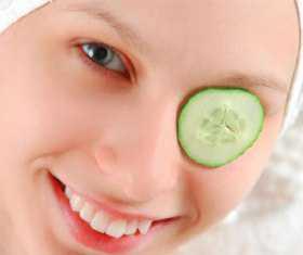 Как правило, маски, которые предназначены для зоны глаз, следует держать не более минут