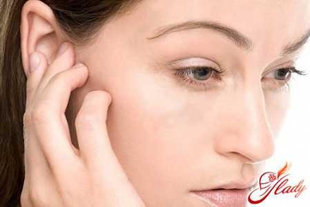 Серная пробка в ухе у взрослых и детей