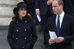 Кейт Миддлтон и принц Уильям с детьми снялись для рождественской открытки